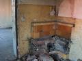 Zniszczony piec kaflowy