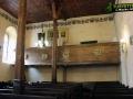 Wnętrze kościoła - ławki