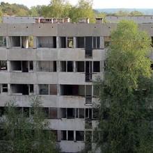 Pstrąże (Strachów), opuszczone miasto i wojskowe koszary